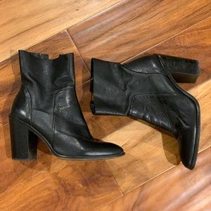Aldo leather heel boot